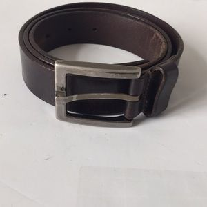 Kenneth Cole leather belt brown silver buckle